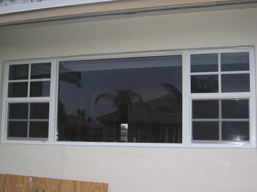 Single Hung On Both Ends Of Picture Window